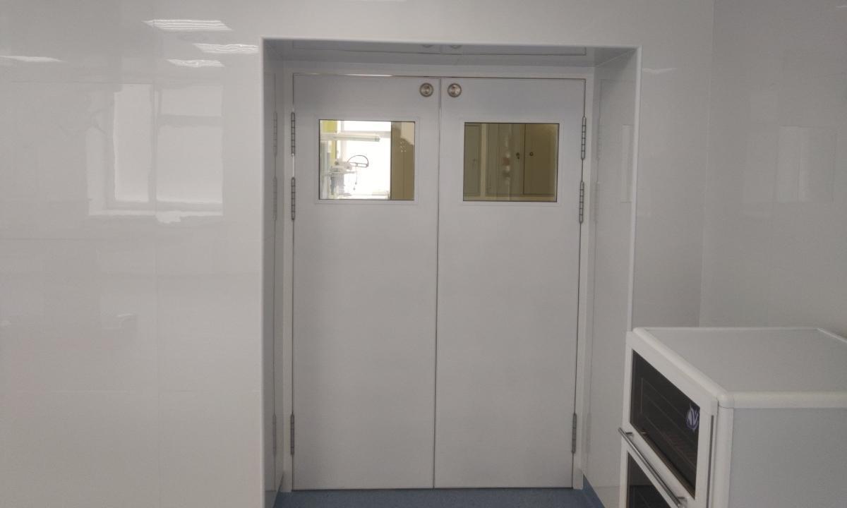 Двері для чистих приміщень з установкою